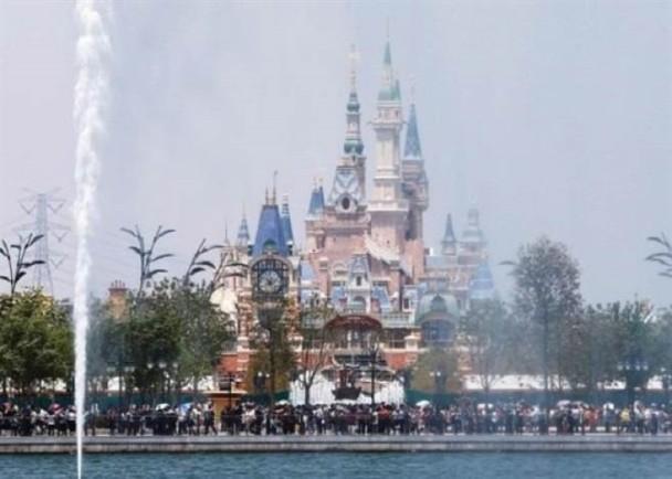 上海迪士尼公售季票 千元可4个月内无限入园.jpg