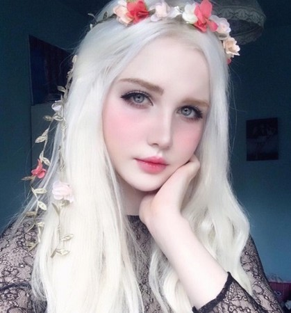 ▲▼Icy有着白皙的肤色。(图/翻摄自Instagram/nordic_alien_)