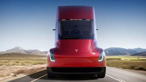 特斯拉电动卡车销售告捷 获DHL、Wal-Mart 等企业订单